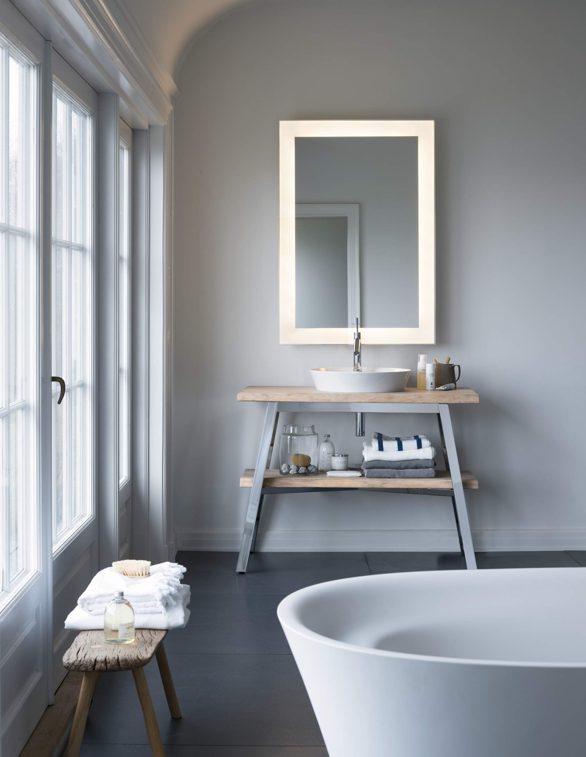 Enjoyable Duravit Cape Cod Elegant Washstands Washbasins Duravit Interior Design Ideas Gresisoteloinfo