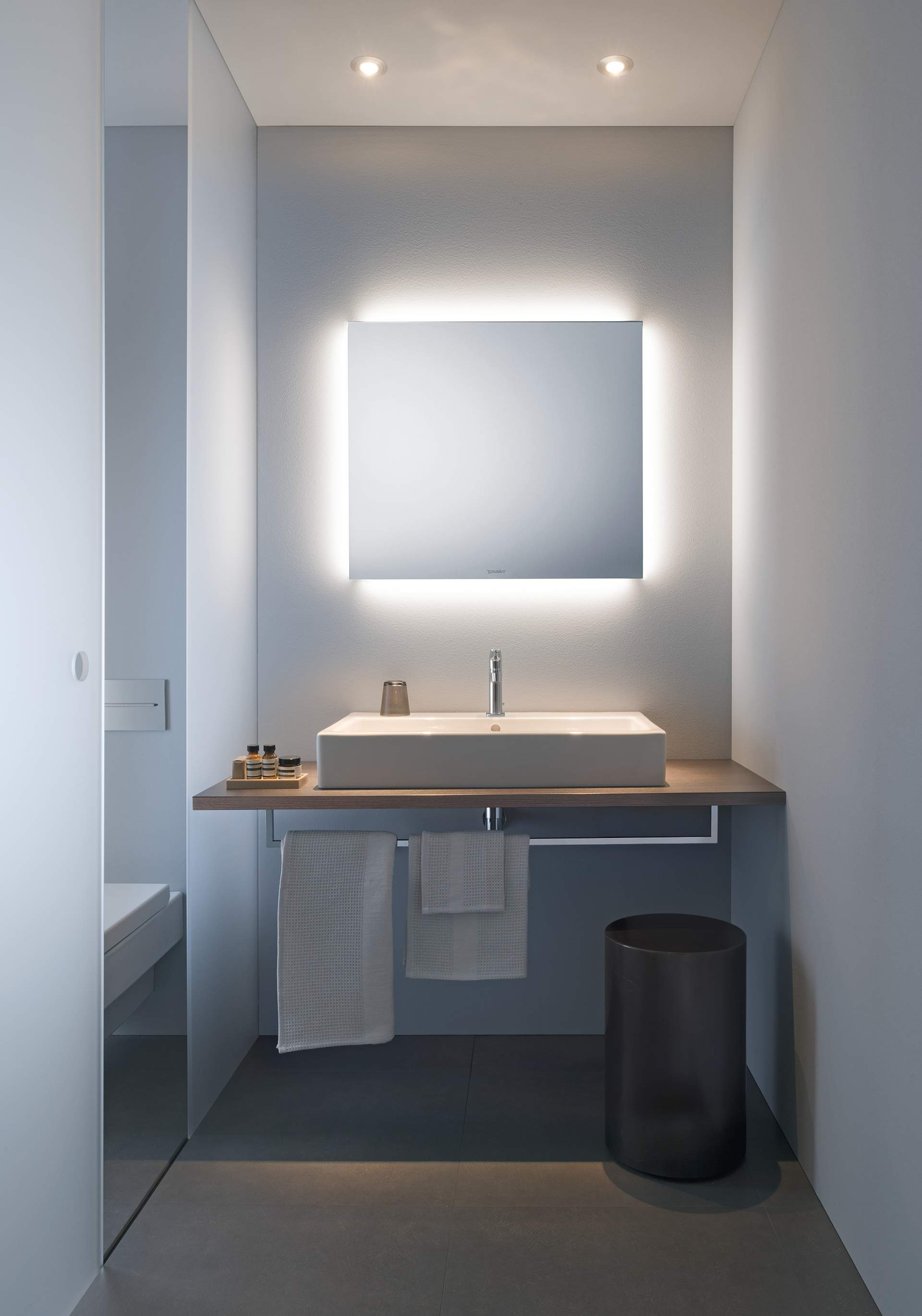 Charmant Licht Und Spiegel. Design By Duravit